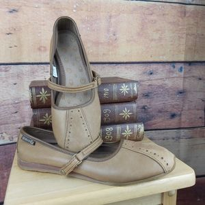 Gravis Misha comfort shoes Mary jane loafers